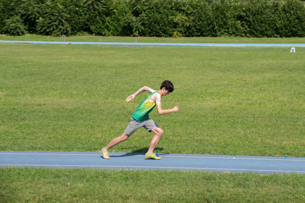 Samuele Sommaruga in rincorsa nel salto in lungo